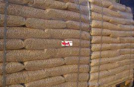 Pellet fenyő raklapon 70db 15kg/zsák